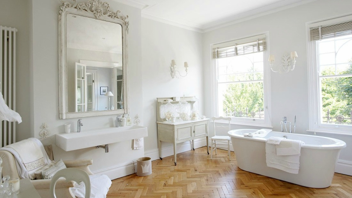 bathroom-with-vintage-style