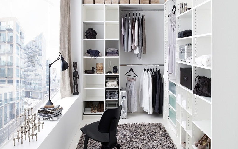 store things in a closet