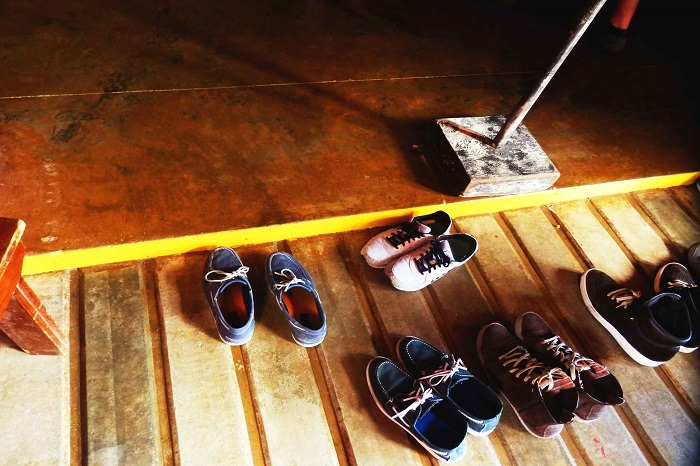 why you should remove your shoes in the house